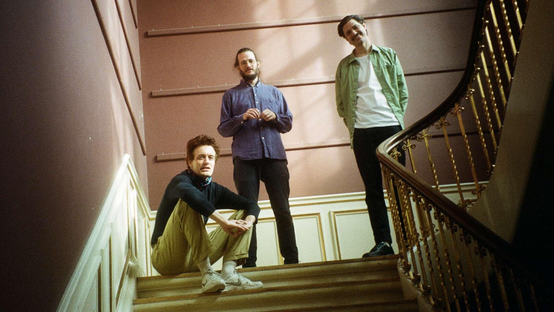 'Windflowers': Efterklangs nye album er som en varm dyne af tryghed, man kan gemme sig væk under